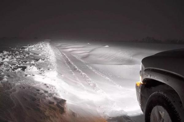 LED车灯是冬季夜间行车的更好选择