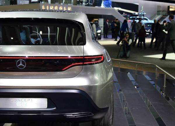 奔驰全新电动子品牌EQ蓄势待发,首款车型让你惊喜