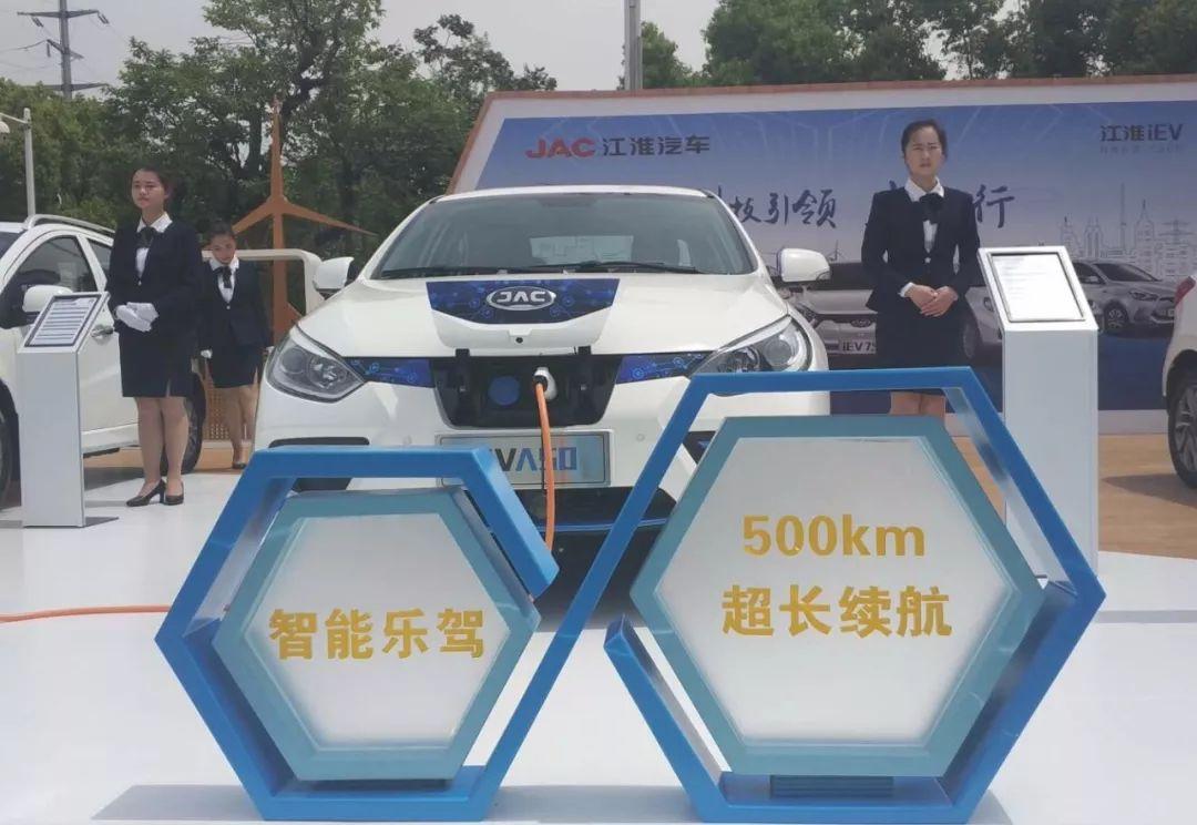 听说凡是续航500公里的电动汽车都在用这些电池?