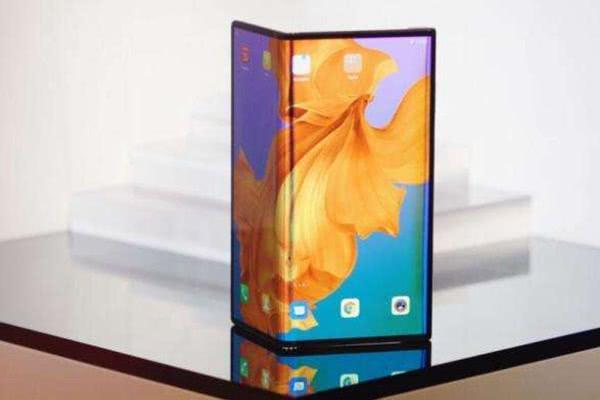 5G折叠手机是一个费电的玩意,仅仅是噱头