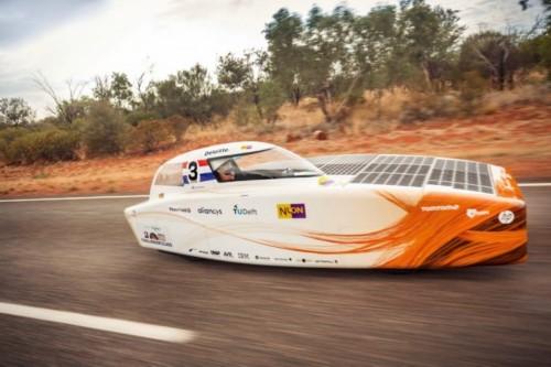 世界太阳能车挑战赛冠军花落谁家?