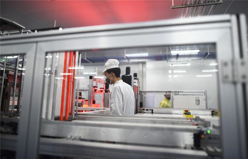 科技创新推动青海光伏产业发展(组图)