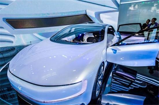电动汽车热挤压成长空间 新造车企业遭遇边缘化危机