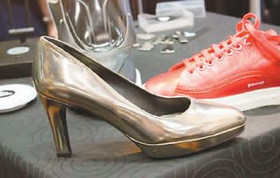 智能鞋子你值得拥有 三星曾推出智能高尔夫鞋