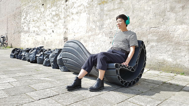 PrintYourCity!荷兰阿姆斯特丹永续计划用「废塑胶」3D列印出公共椅子