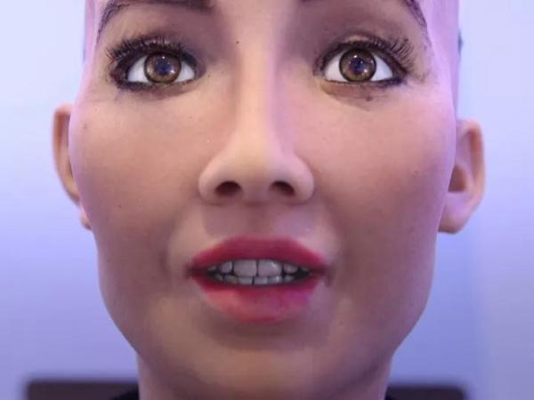 解析世界首位被授予沙特公民身份的机器人——索菲亚