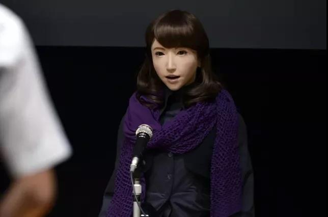 索菲亚的对手上线,日本研发出美女新闻主播机器人