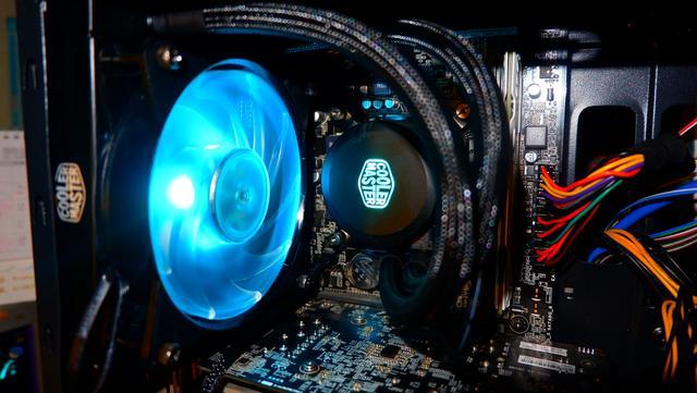 小白装炫光水冷,酷冷至尊冰神幻彩水冷散热器B120RGB体验