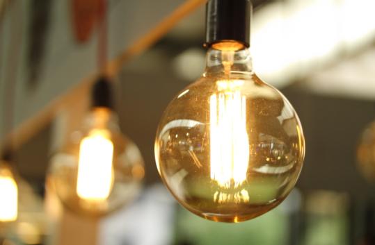 厂商低价促销?全球LED灯泡价格持续下滑