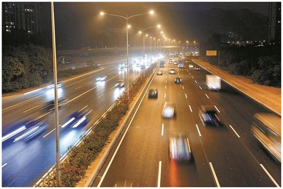 """一周LED:日本最壮观的灯光秀 欧司朗""""点亮""""概念车"""