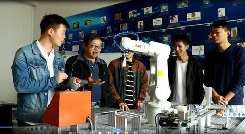 """工业机器人人才培养迎来""""瓶颈期"""", 做好人才细分和产教融合是关键"""