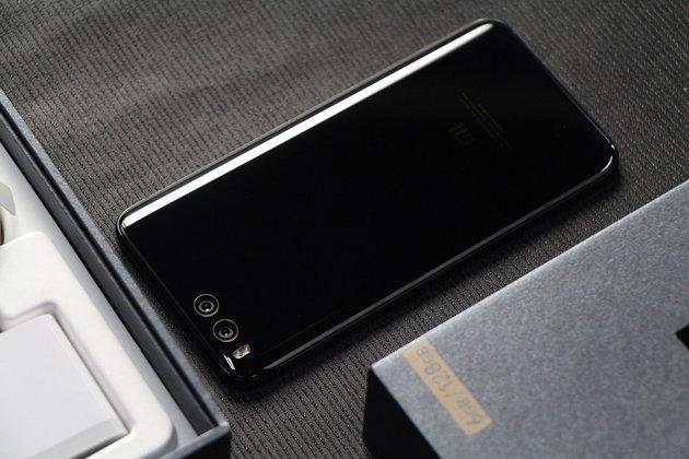 骁龙835首发+双摄像头防抖的小米6还值得买吗?