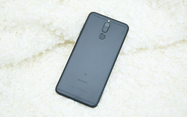 华为首款全面屏手机麦芒6,价格亲民值得入手