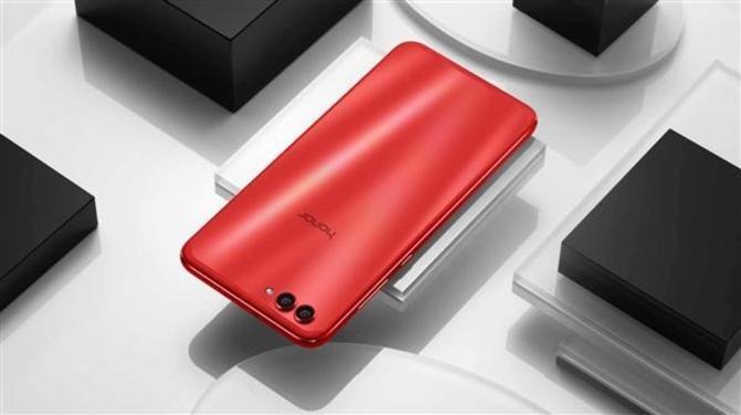 华为荣耀V10掀起了年底手机市场的一场厮杀