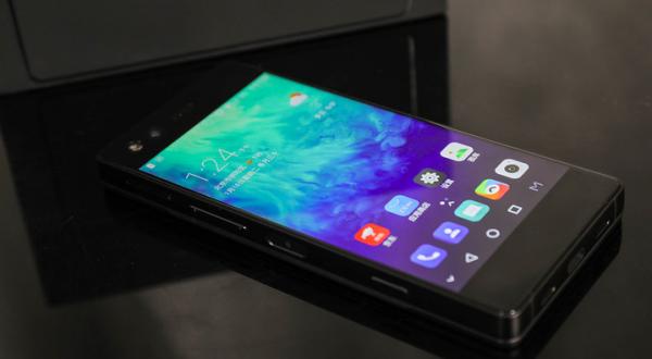 双屏手机终于来了!中兴天机Axon M正式发布