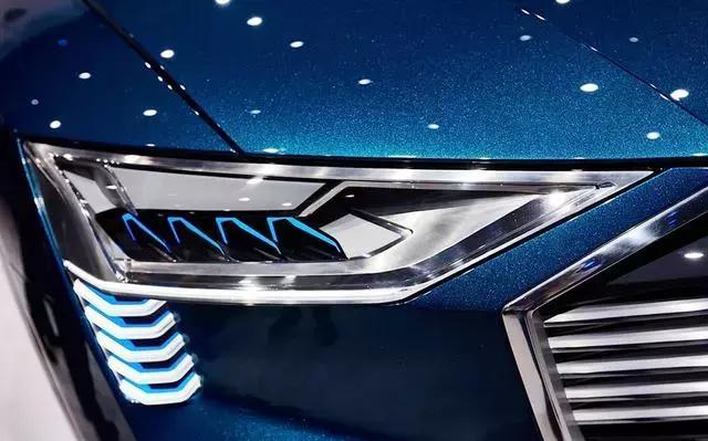 奥迪+汉能光伏车顶:Q6纯电动Suv将上市
