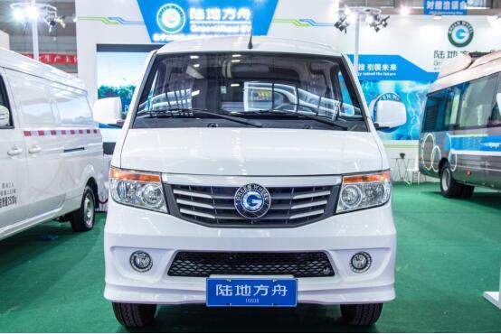 新车资讯:陆地方舟最新款纯电动物流车威途X30正式亮相
