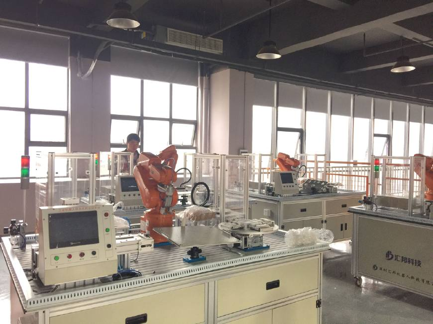 工业机器人工程师就业前景如何?