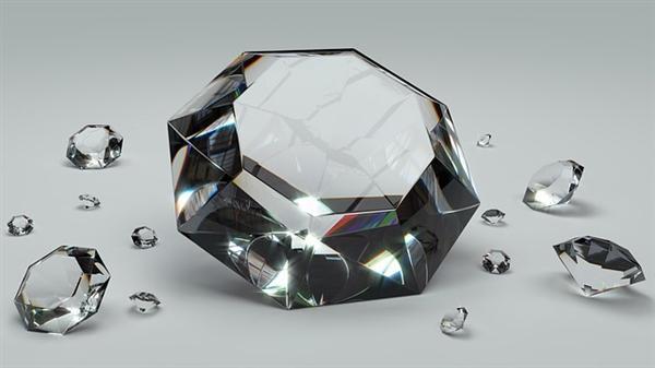 手机屏幕新玩法?全球首款钻石屏手机将明年发布