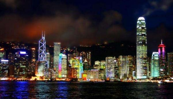 香港将建设智慧城市 智能路灯初显成效