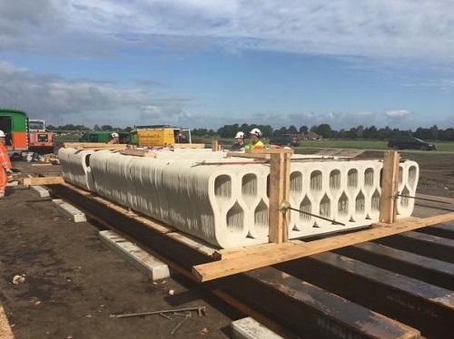 英媒:荷兰开通全球首座3D打印混凝土桥梁