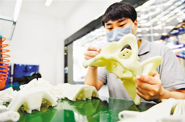 5万多颗义齿来自这里的3D打印