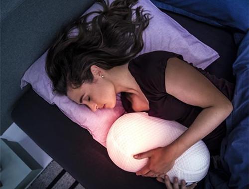 荷兰开发睡眠智能机器人枕头