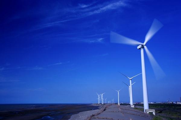 榆林风力发电:1年发电32亿度