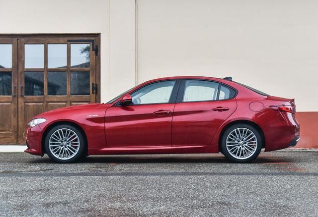 号称驾驶者之车,罗密欧Giulia为啥就是卖不好?