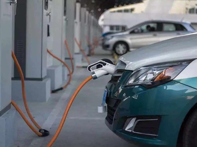 半路走不动,新能源汽车续航掉太快?老司机怎样应对