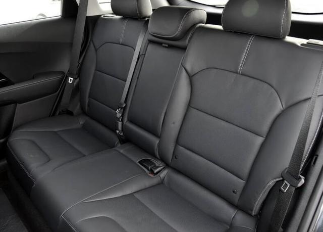 造型空间出色,进口混动SUV,起亚极睿为啥均月销只有几十辆?