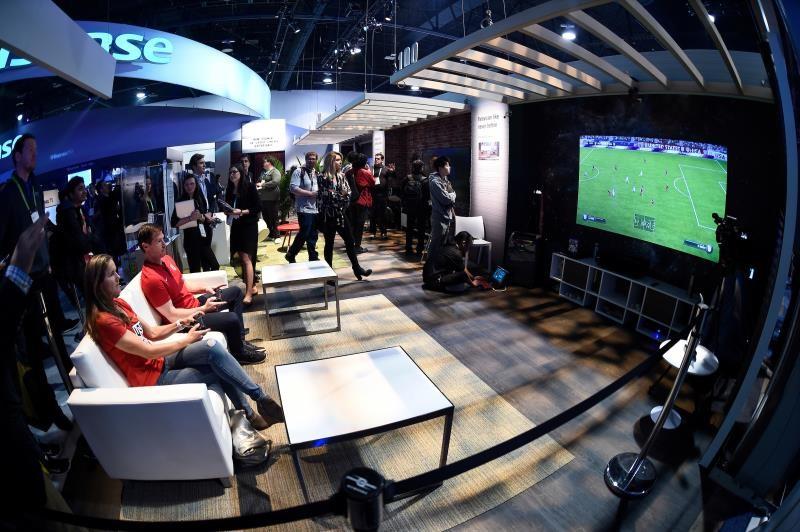 海信激光电视CES受热捧 将于今年3月推出300吋激光影院