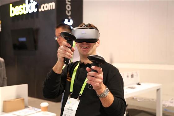 CES2018 大朋VR邀约近百家客户洽谈,全球化布局引期待