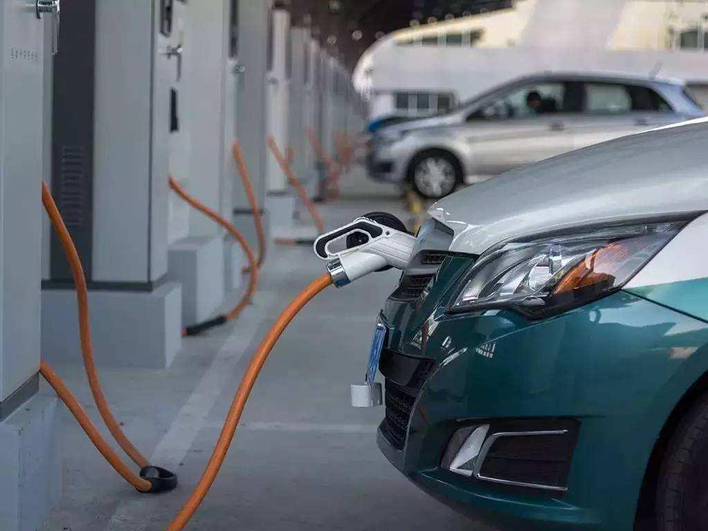 11月新能源汽车产销量创新高 明年销量望突破百万辆
