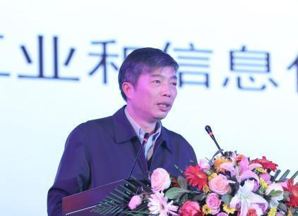 中国市场国产工业机器人销售数据发布 应用行业再扩展