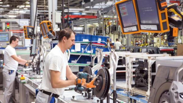德国工业4.0的大众样本:3万台机器人 50秒造一辆车
