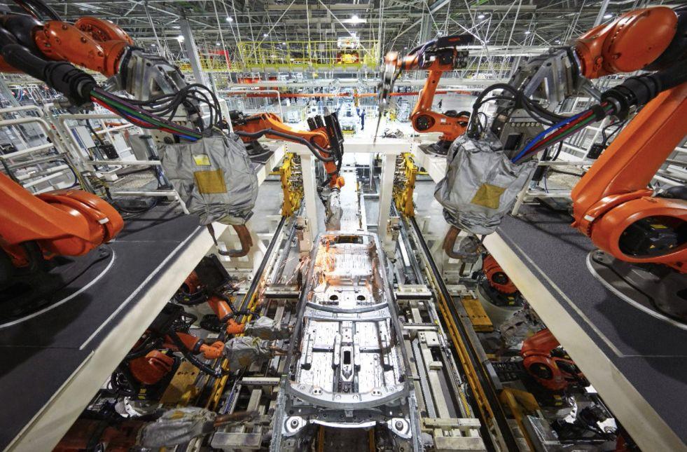 """成为全球车企宠儿,""""插电混动""""正逆袭成为新能源主流"""