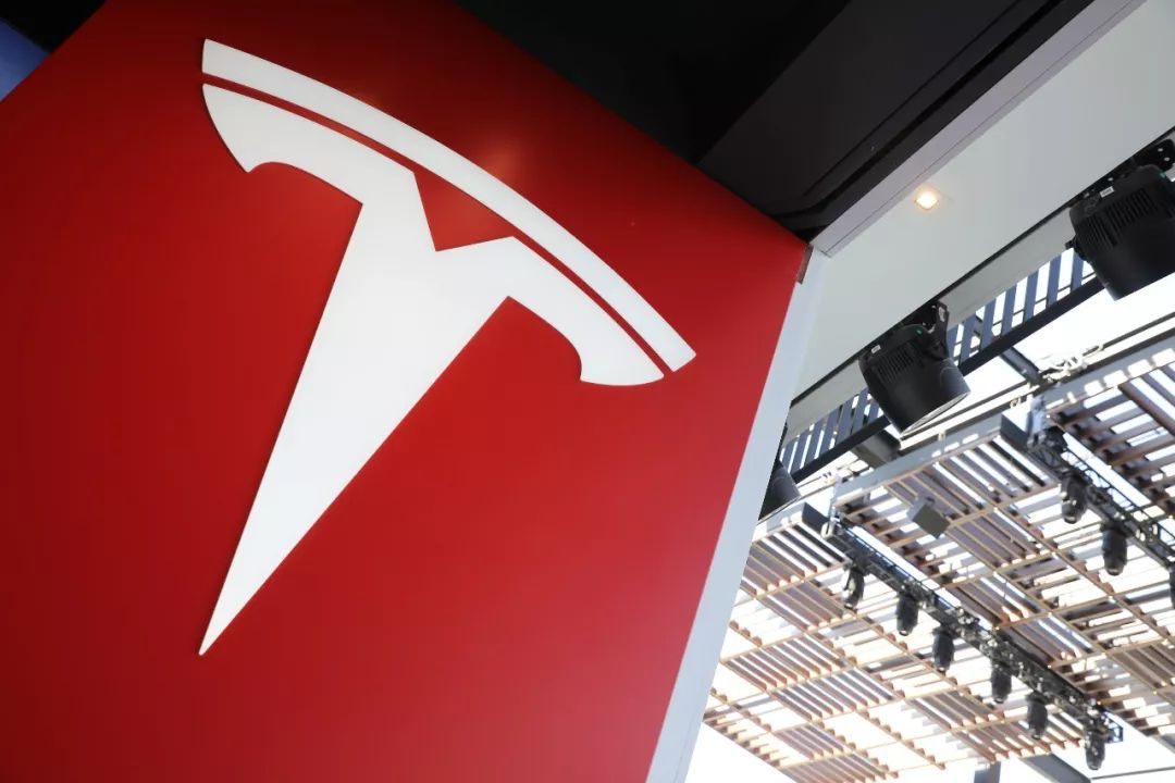 特斯拉活到2020年还需100亿美元;东风本田召回13万辆CR-V