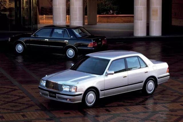 20多万预算,雷克萨斯ES和这3款豪华车怎么选?