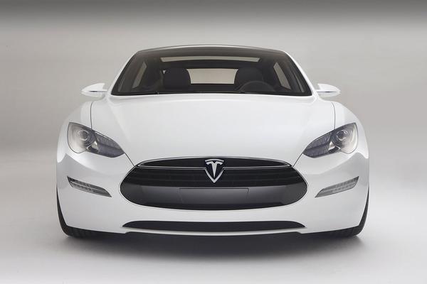 谁才是电动汽车中的王者?比亚迪联手戴姆勒叫板特斯拉!
