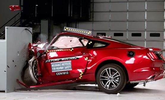 车越厚重越安全?全新福克斯车身减重100斤对安全性有影响吗?