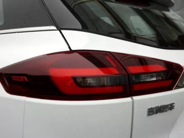 吉利旗下最吸睛的SUV上市,颜值依旧配置升级售价仅10万起