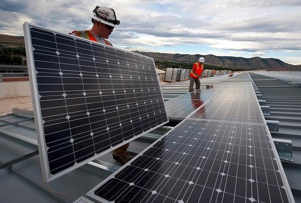 早报:中国领跑空间太阳能电站研究 美国或限制进口中国产电池板