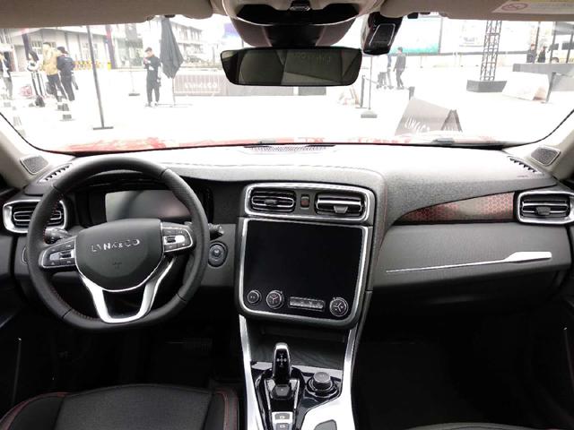 """""""蒙面开车""""?走进领克01都市竞技场,看全能SUV产品力如何展现?"""