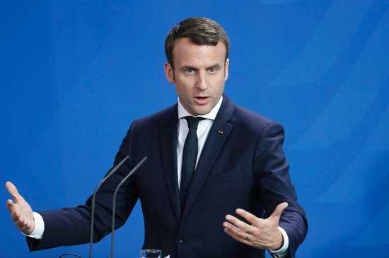 法国总统担忧AI失控,人工智能会摧毁西方民主吗?