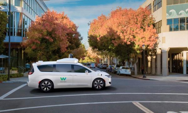 无人驾驶汽车:科技巨头间的竞赛,落地之路任重道远