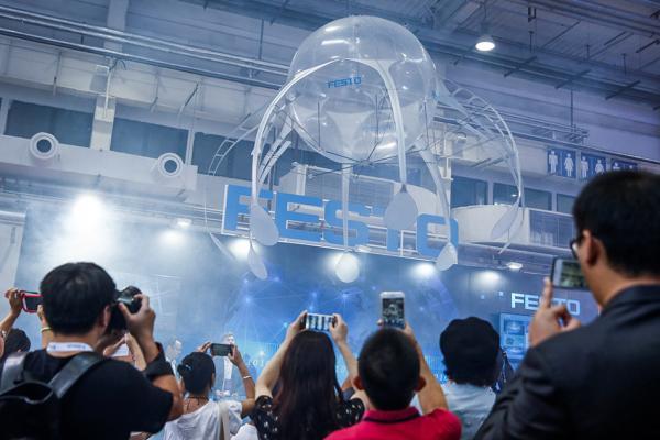 世界机器人大会,科技引领生活,机器人时代势不可挡!