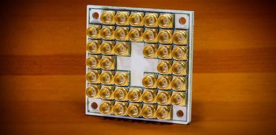 英特尔为量子计算机推17个超导量子位全新芯片