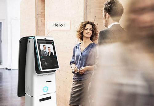 """机器人雇员真的来了,人工智能""""入侵""""多个行业"""
