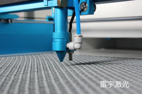 如何用激光切割机切割高质量产品?焦点很重要!